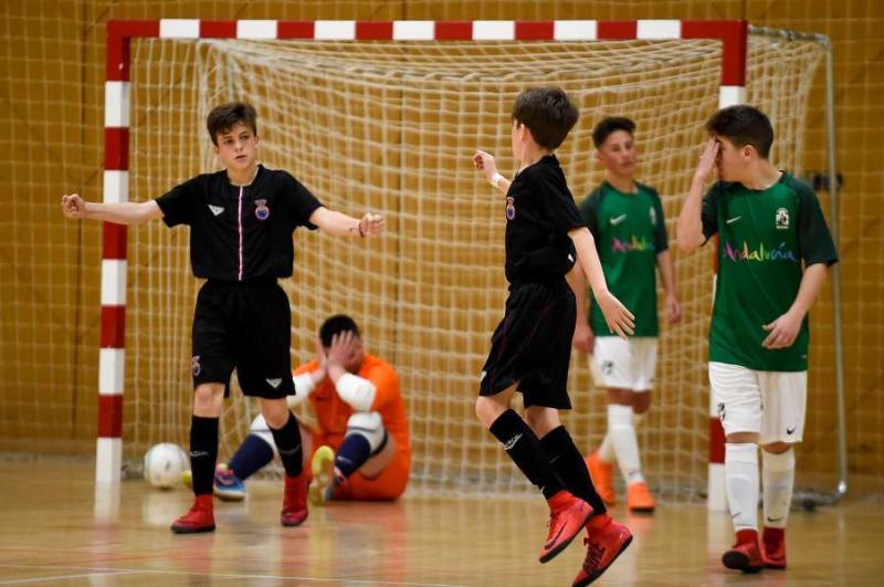 ffdfb03a6dee6 La selección infantil de fútbol sala vence a Andalucía y se mete en la  final del Campeonato de España